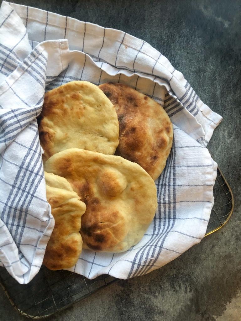naan-leipä